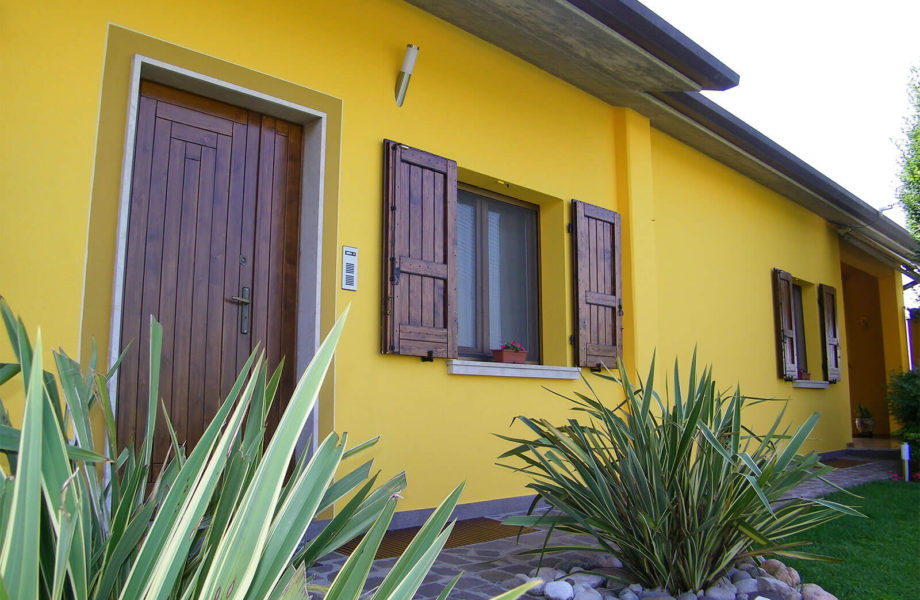 Simple pittura esterno casa with pittura esterno casa - Vernice plastica per muri esterni ...